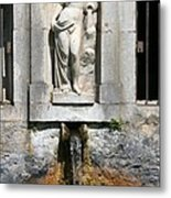 Fountain In A Palace Garden Metal Print