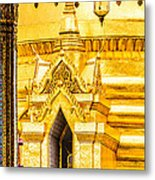 Golden Chedi - Temple Of The Emerald Buddha Metal Print by Colin Utz