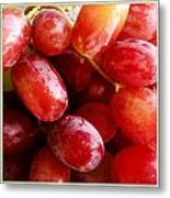 Grapes Metal Print by Les Cunliffe
