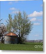 Green Wheatfield With An Old Grain Bin Metal Print