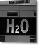 H2o In Black And White Metal Print
