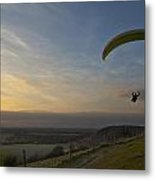 Hang Gliding At Dunstable Downs Metal Print
