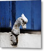 Heady Shutter Catch Metal Print