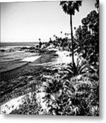 Laguna Beach Pacific Ocean Shoreline In Black And White Metal Print