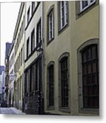 Lamp Post In Cologne Germany Alley Metal Print