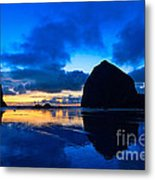 Last Light - Cannon Beach Sunset With Reflection In Oregon The Coast Metal Print