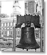 Liberty Bell And Independence Hall Bw Metal Print
