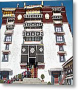 Line Of Pilgrims And Tourists Entering Former Living Quarters Of Dalai Lama In Potala Palace-tibet Metal Print