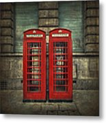 London Calling Metal Print by Evelina Kremsdorf