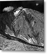looking up at the summit of el teide volcanic mountain parque nacional del teide Tenerife Canary Islands Spain third largest volcano in the world at 3715m Metal Print