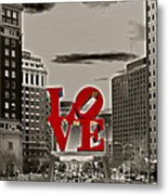 Love Sculpture - Philadelphia - Bw Metal Print by Lou Ford
