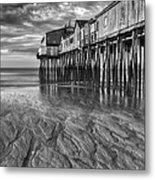 Low Tide At Orchard Beach Black And White Metal Print by Jerry Fornarotto