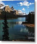 Maligne Lake Beauty Of The Canadian Rocky Mountains Metal Print