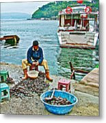 Man Selling Fresh Mussels On The Bosporus In Istanbul-turkey  Metal Print