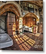 Master Bedroom At Fonthill Castle Metal Print by Susan Candelario