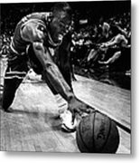Michael Jordan Reaches For The Ball Metal Print