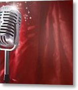 Microphone Metal Print by Les Cunliffe