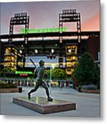 Mike Schmidt Statue At Dawn Metal Print by Bill Cannon