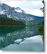 Morning Reflection In Emerald Lake In Yoho National Park-british Columbia-canada Metal Print