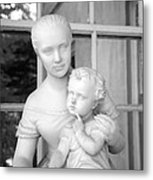 Mother And Child Statue Metal Print