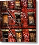 New York City Graffiti Building Metal Print