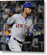New York Mets V New York Yankees Metal Print