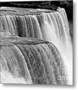 Niagara Falls In Black And White Metal Print