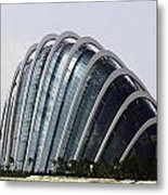 Oil Painting - One Of The Conservatories Of The Gardens By The Bay In Singapore Metal Print