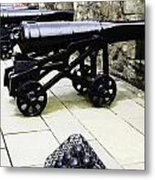 Oil Painting - Tourists And Cannons With Ammunition At The Wall Of Stirling Castle Metal Print