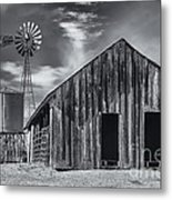 Old Barn No Wind Metal Print