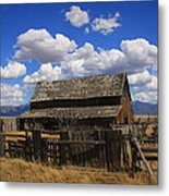 Old Barn Rush Valley Metal Print