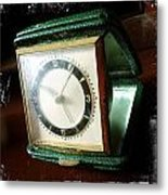 Old Clock Metal Print by Les Cunliffe