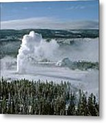 3m09132-01-old Faithful Geyser In Winter Metal Print