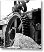 Old Mill Of Guilford Gears Black And White Metal Print