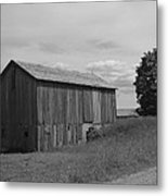 Olde Homestead - Olde Barn - Black And White Metal Print