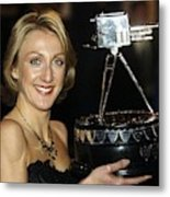 Paula Radcliffe Poses With The Bbc Sports Personality Of The Year Award Metal Print