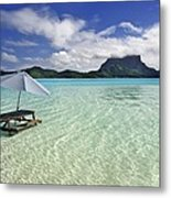 Picnic Table And Umbrella In Clear Lagoon Metal Print