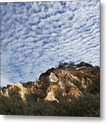 Pinnacles Of Fraser Island Metal Print by Linda Lees