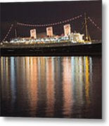 Queen Mary Decked Out For The Holidays Metal Print