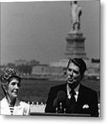 Reagan Speaking Before The Statue Of Liberty Metal Print