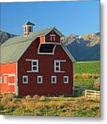 Dn5939-red Barn In The Wallowas Metal Print