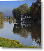 River Thames At Cookham Metal Print
