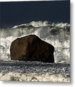 Rock V Wave I Metal Print by Tony Reddington