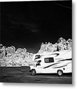 Rv Camping Van Parked At Valley Of Fire State Park Nevada Usa Metal Print