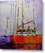 Sailing In The Mist Metal Print by Vickie Warner