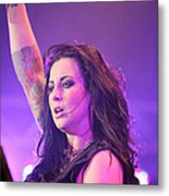 Saying Goodnight To Her Fans Metal Print