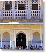 Schoolchildren At The Women's Palace - Jaipur India Metal Print