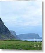 Sea Cliffs At Neist Point In Scotland Metal Print