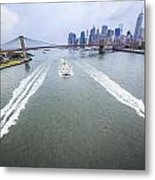 Speed Boats And Barge At East River In Front Of The Brooklyn Bridge And Manhattan Skyline Metal Print