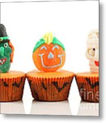 Spooks Cup Cakes On White Background Metal Print